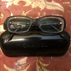 CHANEL BEAUTIFUL GLASSES WITH BOW